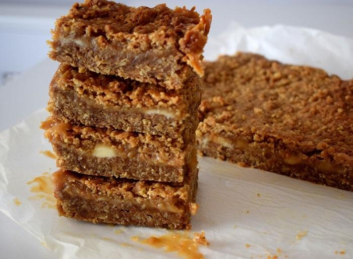 Caramel fudge bars